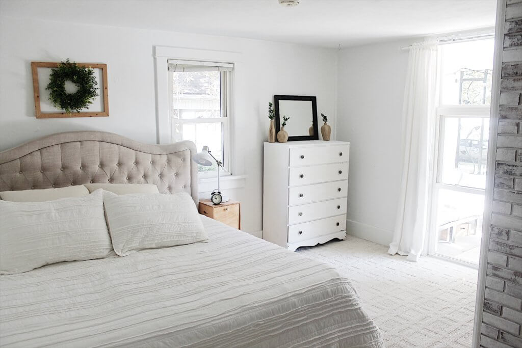 modern farmhouse bedroom